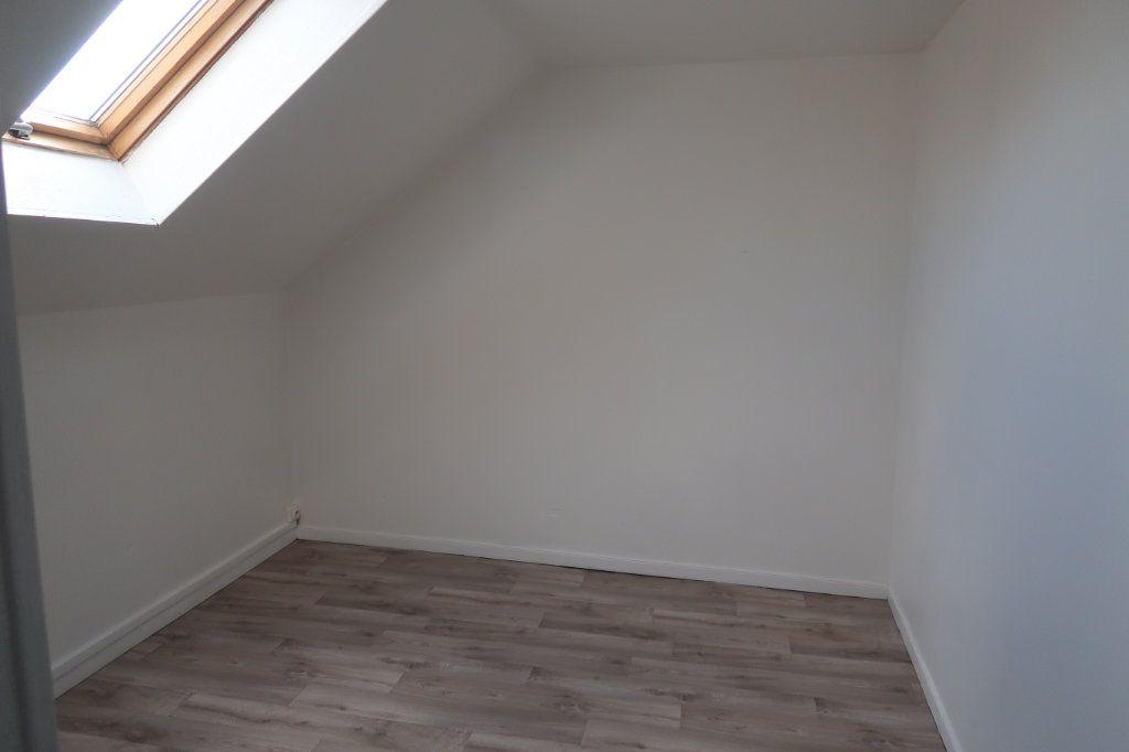 Appartement à louer 2 35m2 à Saint-Quentin vignette-5