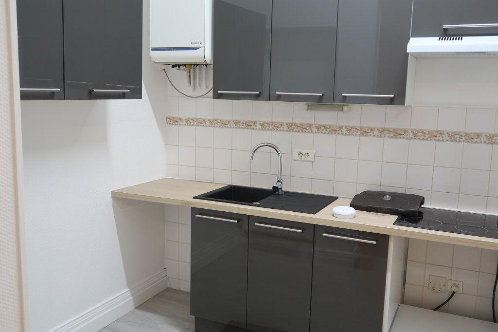 Appartement à louer 2 48.55m2 à Saint-Quentin vignette-1