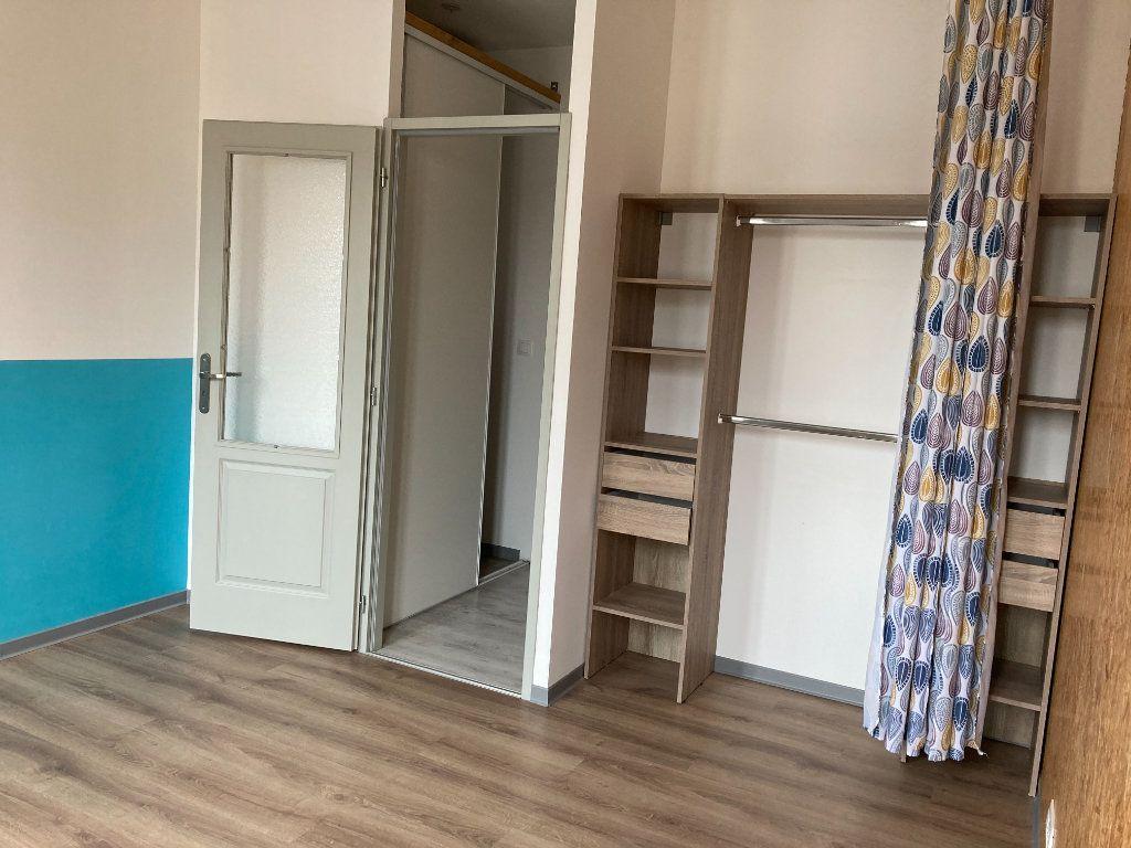 Appartement à louer 3 70m2 à Saint-Quentin vignette-6
