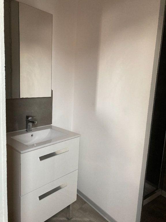 Appartement à louer 3 70m2 à Saint-Quentin vignette-8