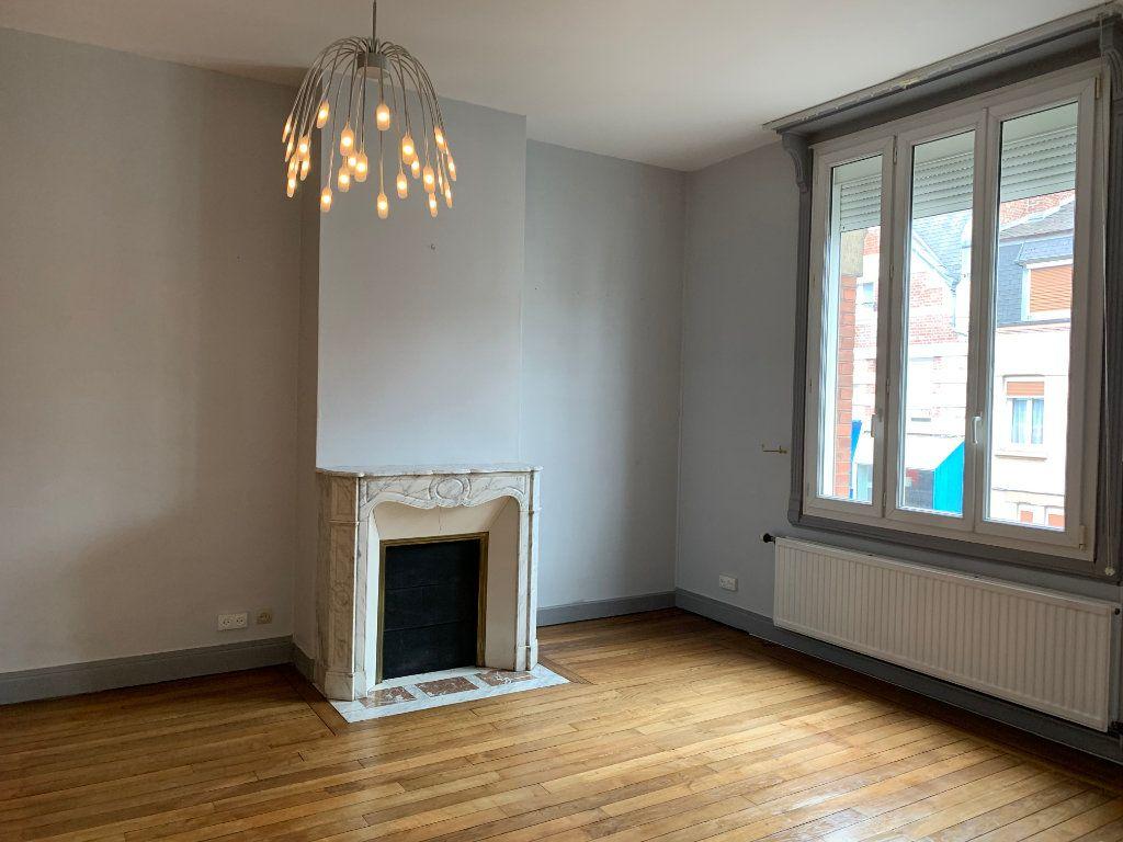 Maison à vendre 6 209m2 à Chauny vignette-4