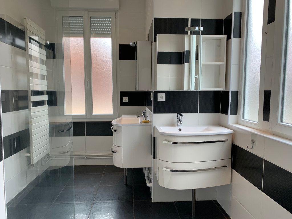 Maison à vendre 6 209m2 à Chauny vignette-5