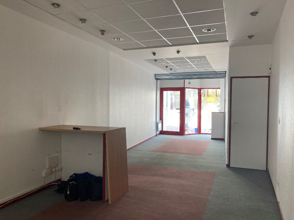 Immeuble à vendre 0 120m2 à Saint-Quentin vignette-4