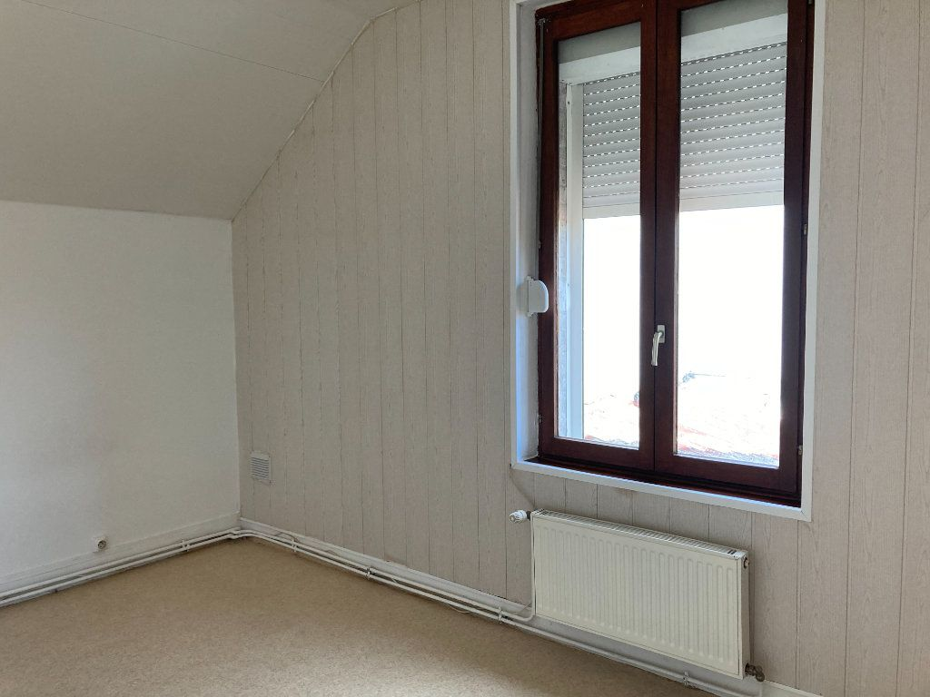 Maison à louer 4 90m2 à Saint-Quentin vignette-6