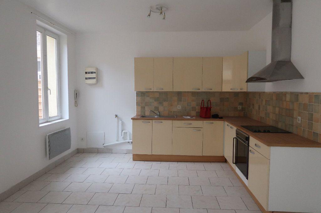 Appartement à louer 4 77.5m2 à Saint-Quentin vignette-1