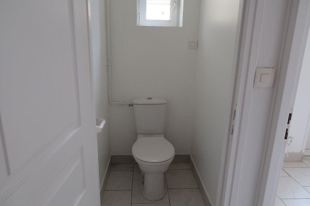 Appartement à louer 4 77.5m2 à Saint-Quentin vignette-3