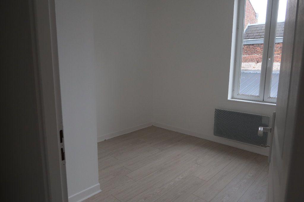Appartement à louer 4 77.5m2 à Saint-Quentin vignette-6