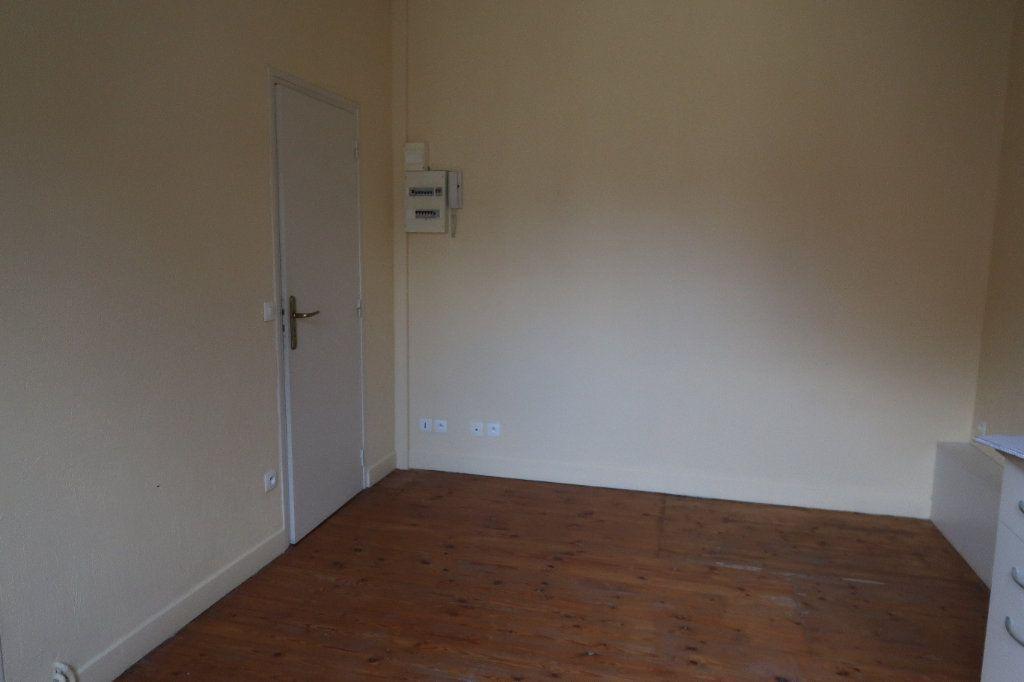 Appartement à louer 2 29.71m2 à Saint-Quentin vignette-2