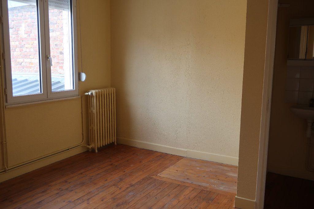 Appartement à louer 2 29.71m2 à Saint-Quentin vignette-3