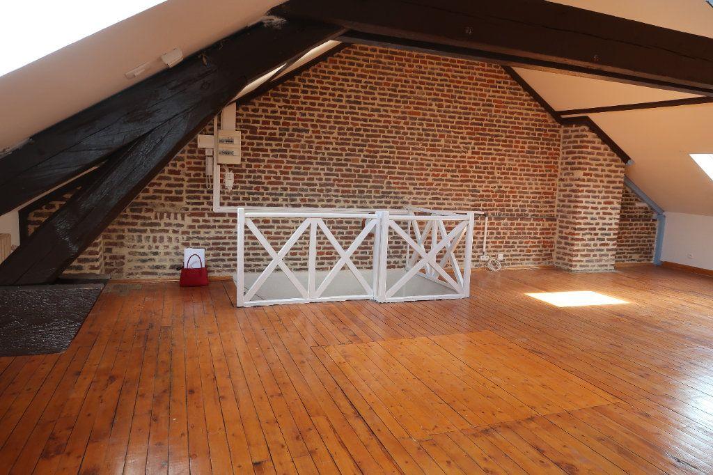 Appartement à louer 1 69.75m2 à Saint-Quentin vignette-2