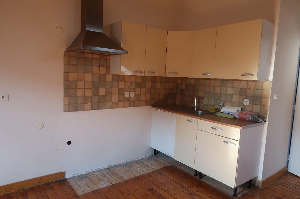 Appartement à louer 1 69.75m2 à Saint-Quentin vignette-4