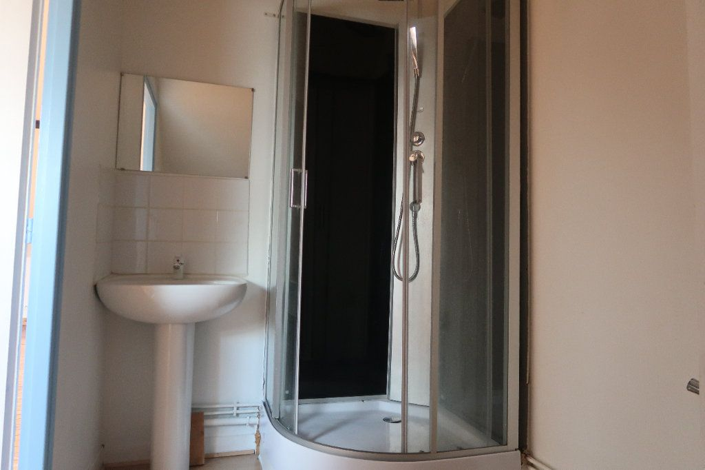Appartement à louer 1 69.75m2 à Saint-Quentin vignette-5