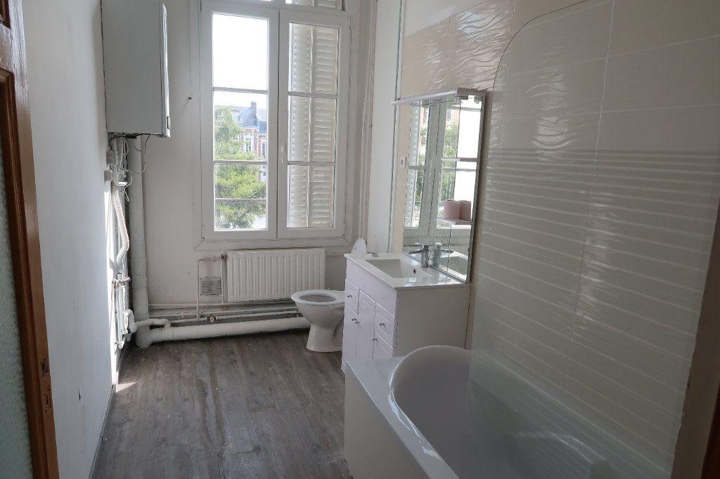 Appartement à louer 3 100.7m2 à Saint-Quentin vignette-5