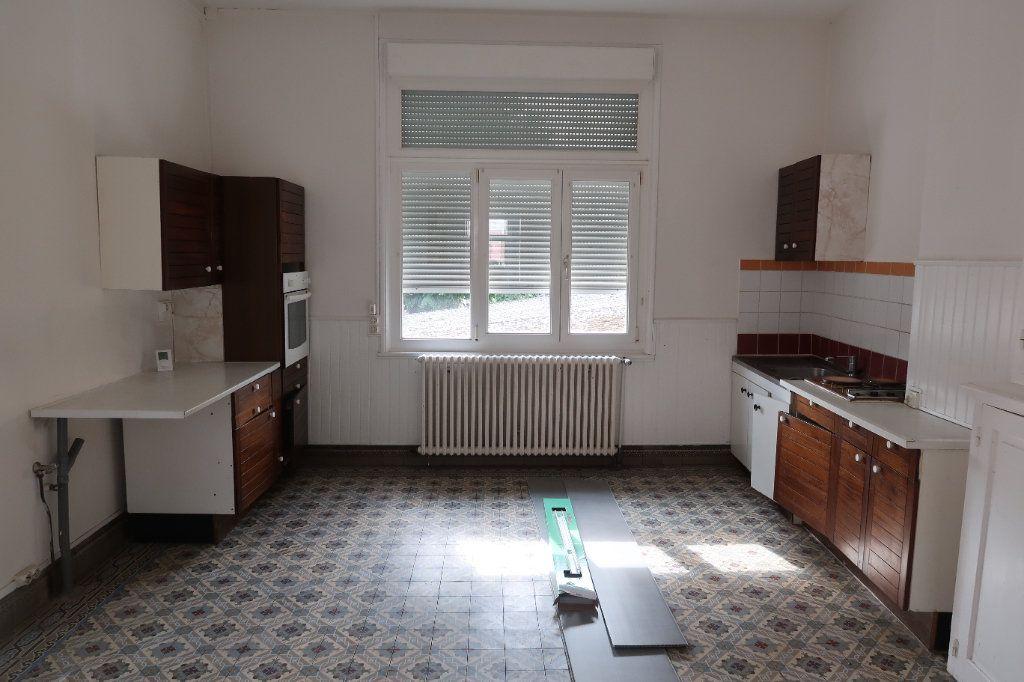 Maison à louer 5 121.13m2 à Le Catelet vignette-2