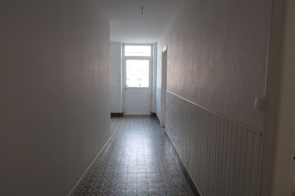 Maison à louer 5 121.13m2 à Le Catelet vignette-3