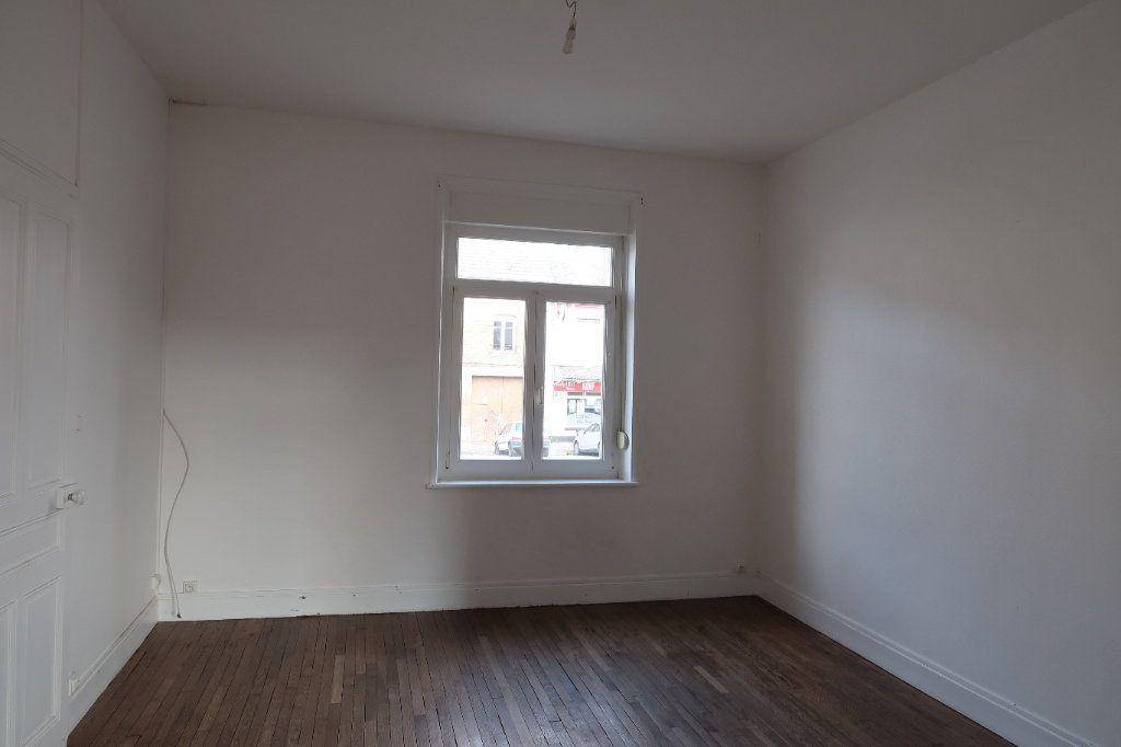 Maison à louer 5 121.13m2 à Le Catelet vignette-4