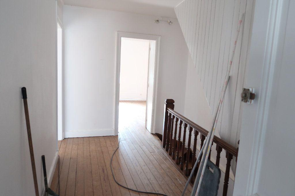 Maison à louer 5 121.13m2 à Le Catelet vignette-5