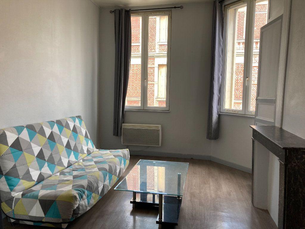 Appartement à louer 1 28m2 à Saint-Quentin vignette-1
