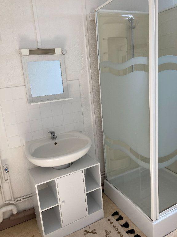 Appartement à louer 1 28m2 à Saint-Quentin vignette-3