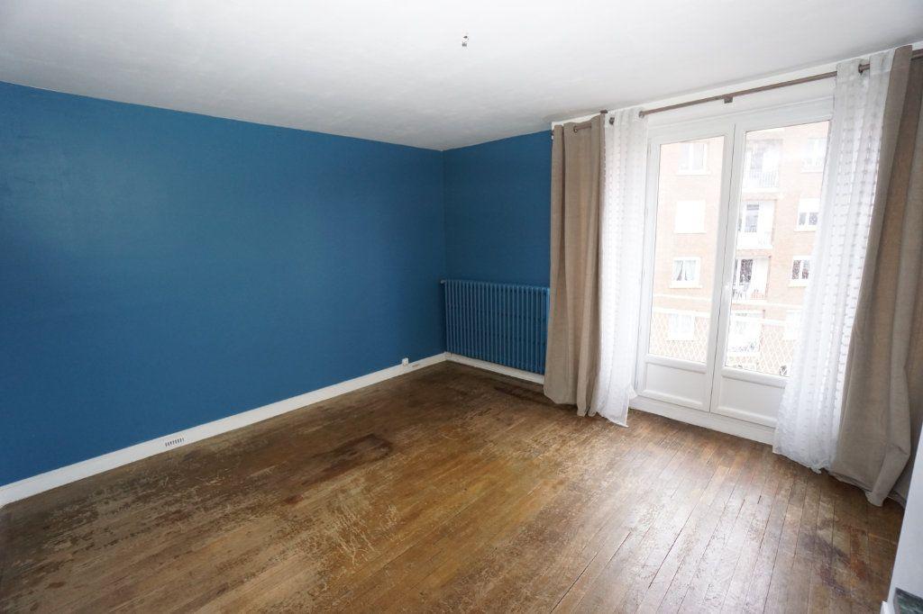 Appartement à louer 3 63m2 à Amiens vignette-1