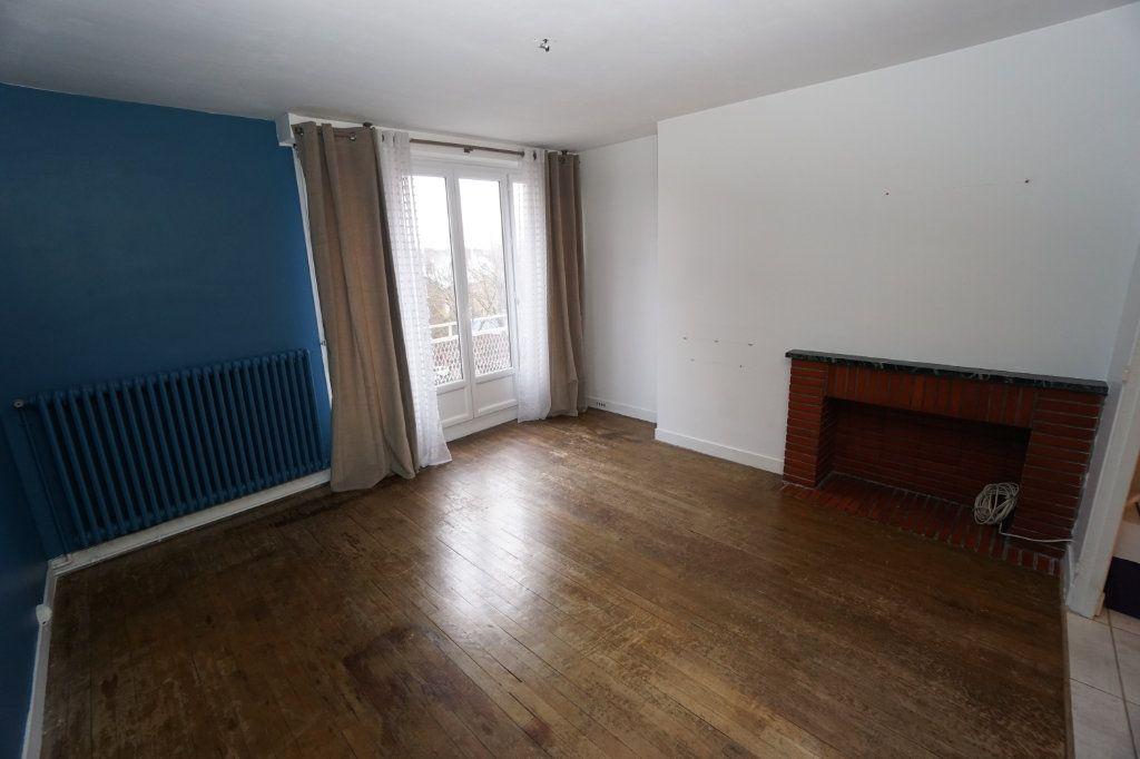 Appartement à louer 3 63m2 à Amiens vignette-2