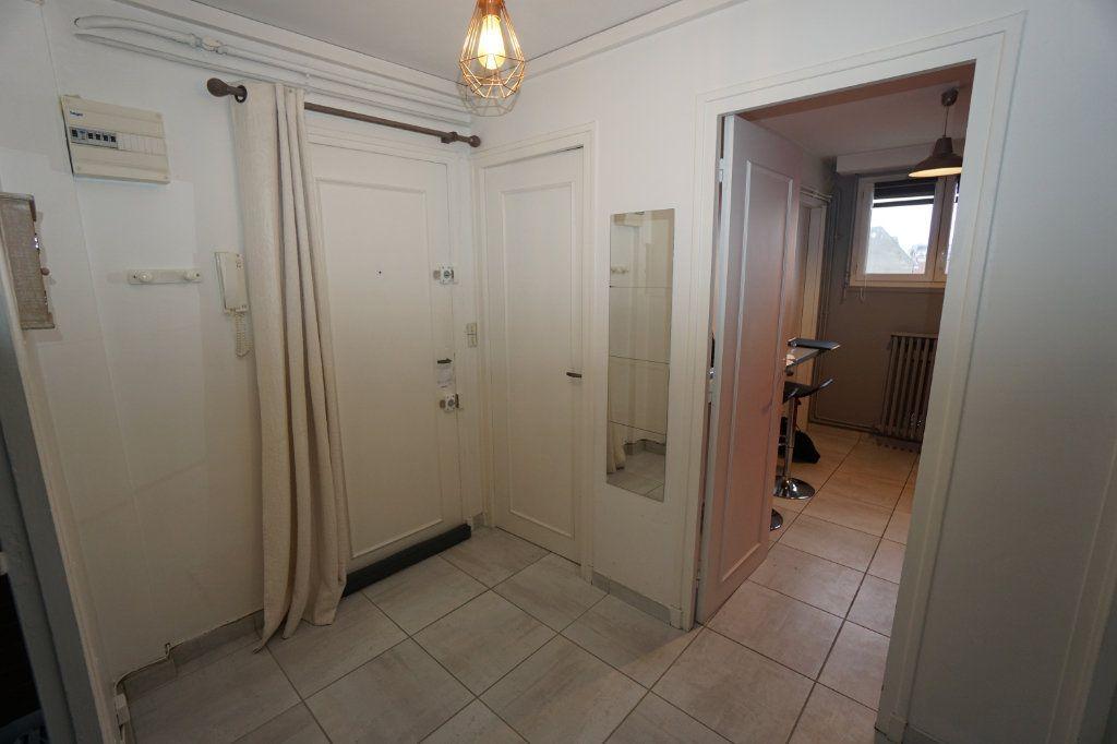 Appartement à louer 3 63m2 à Amiens vignette-4