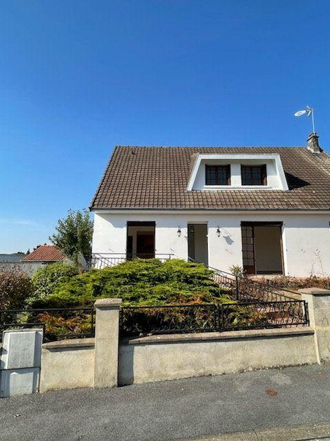 Maison à louer 4 125m2 à Gauchy vignette-1
