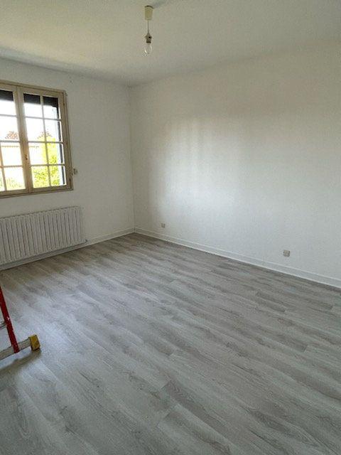 Maison à louer 4 125m2 à Gauchy vignette-6