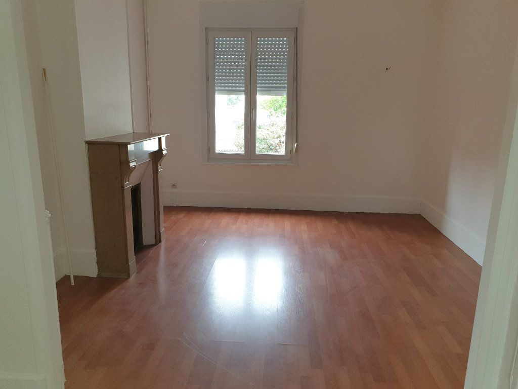 Appartement à louer 4 93.33m2 à Chauny vignette-5