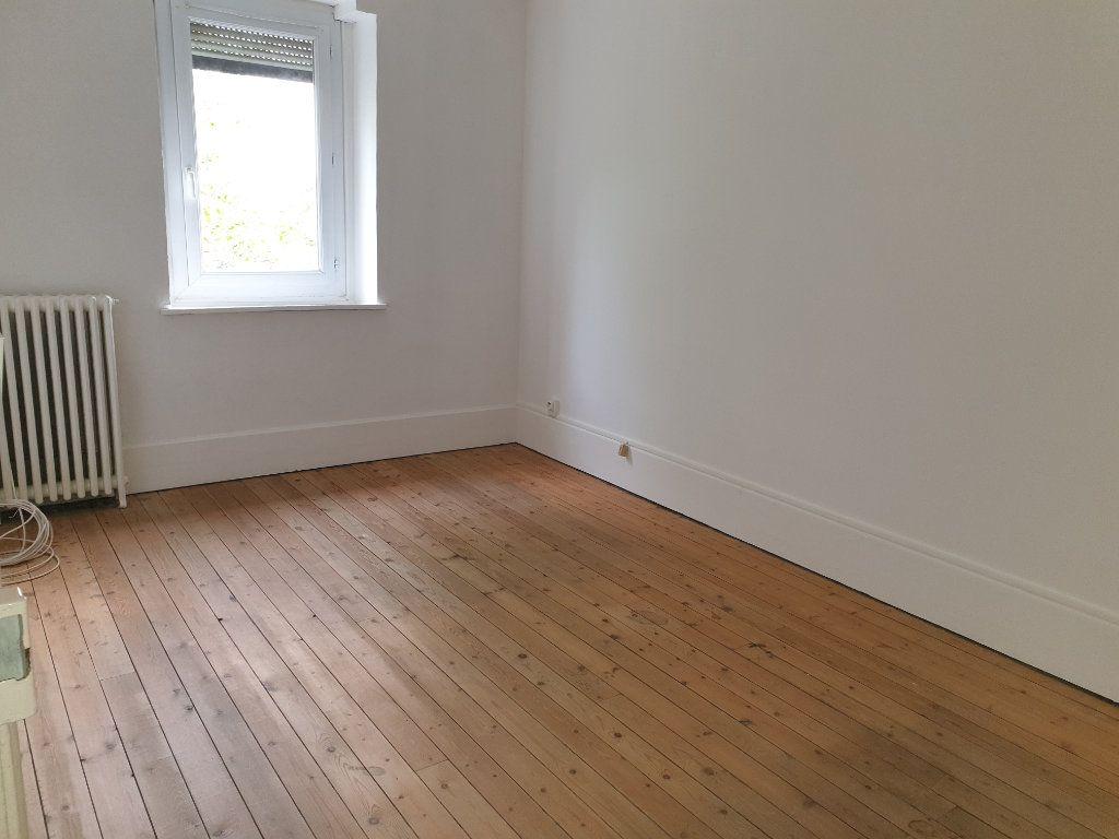 Appartement à louer 4 93.33m2 à Chauny vignette-7