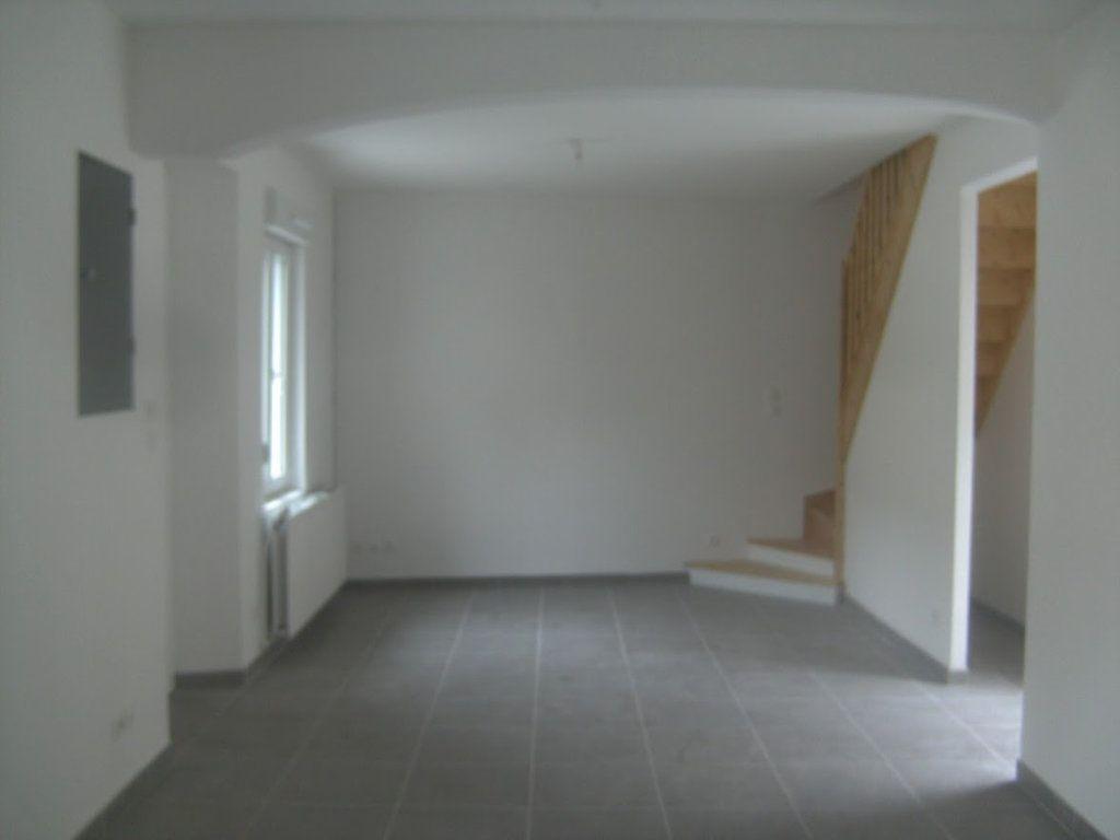 Maison à louer 5 105.39m2 à Saint-Quentin vignette-1