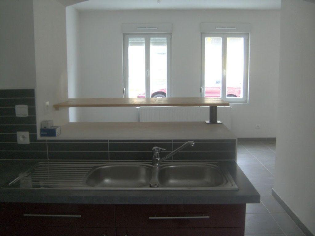 Maison à louer 5 105.39m2 à Saint-Quentin vignette-4