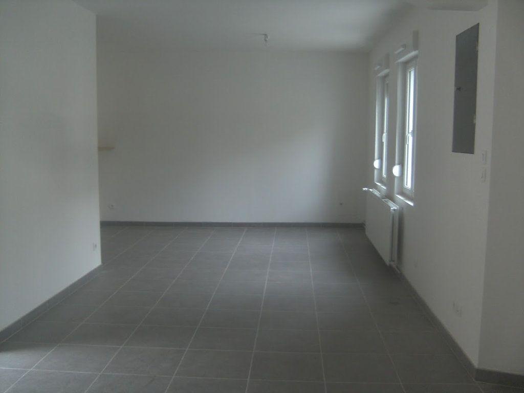 Maison à louer 5 105.39m2 à Saint-Quentin vignette-5