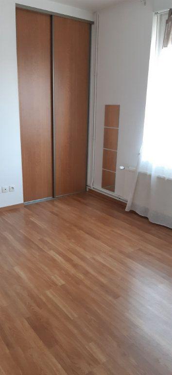Maison à louer 5 105.39m2 à Saint-Quentin vignette-9