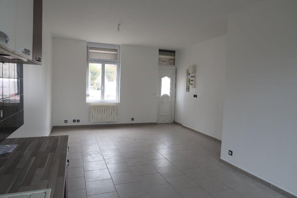 Maison à louer 4 95m2 à Saint-Quentin vignette-2