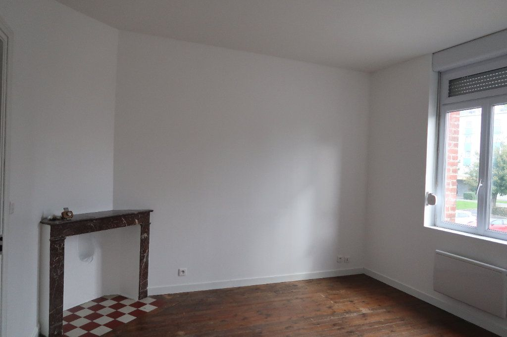 Maison à louer 4 95m2 à Saint-Quentin vignette-7