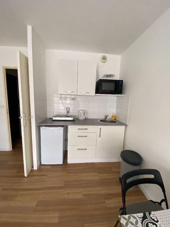Appartement à louer 1 25m2 à Amiens vignette-5