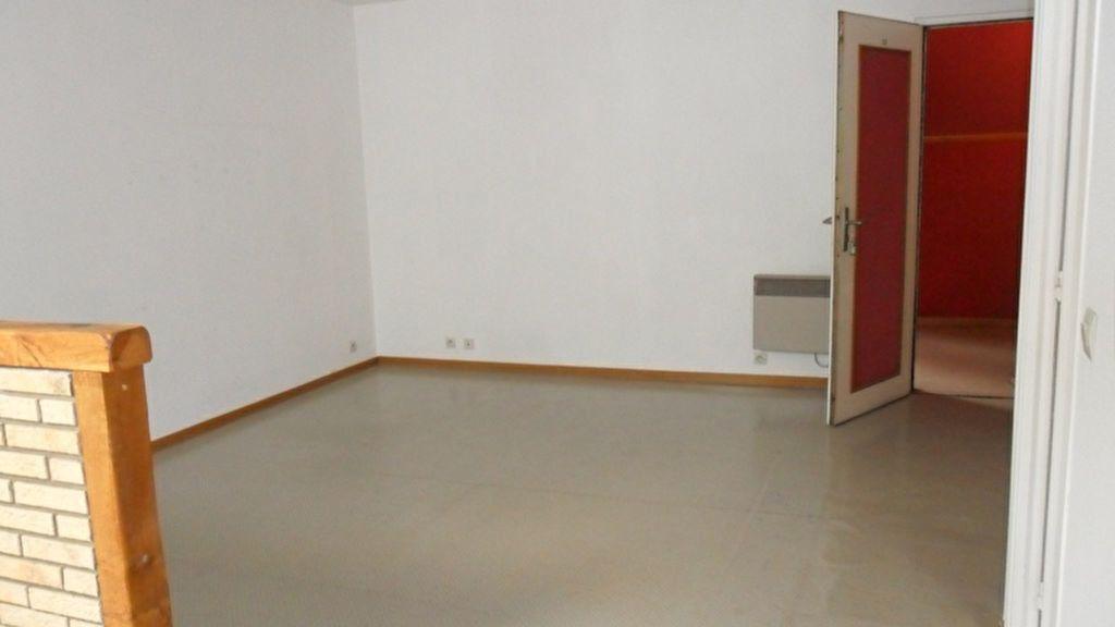 Appartement à louer 2 43m2 à Saint-Quentin vignette-2