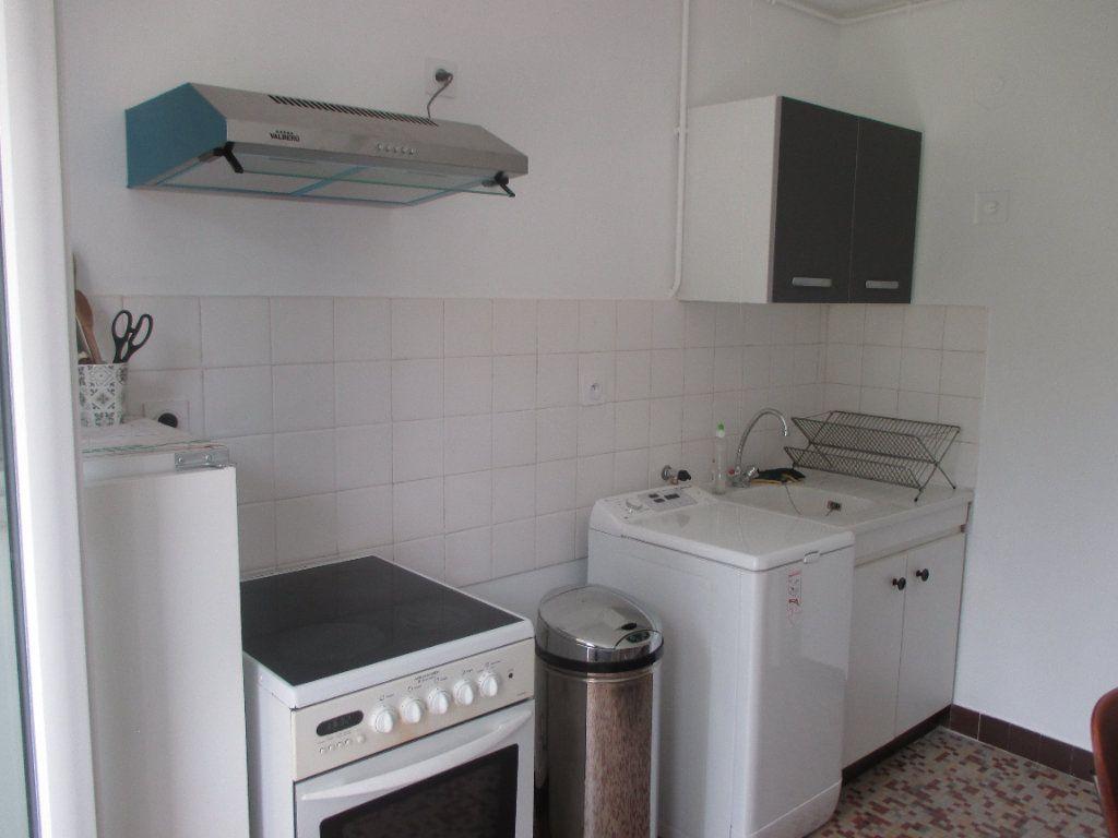 Appartement à louer 3 56.5m2 à Seyssinet-Pariset vignette-1