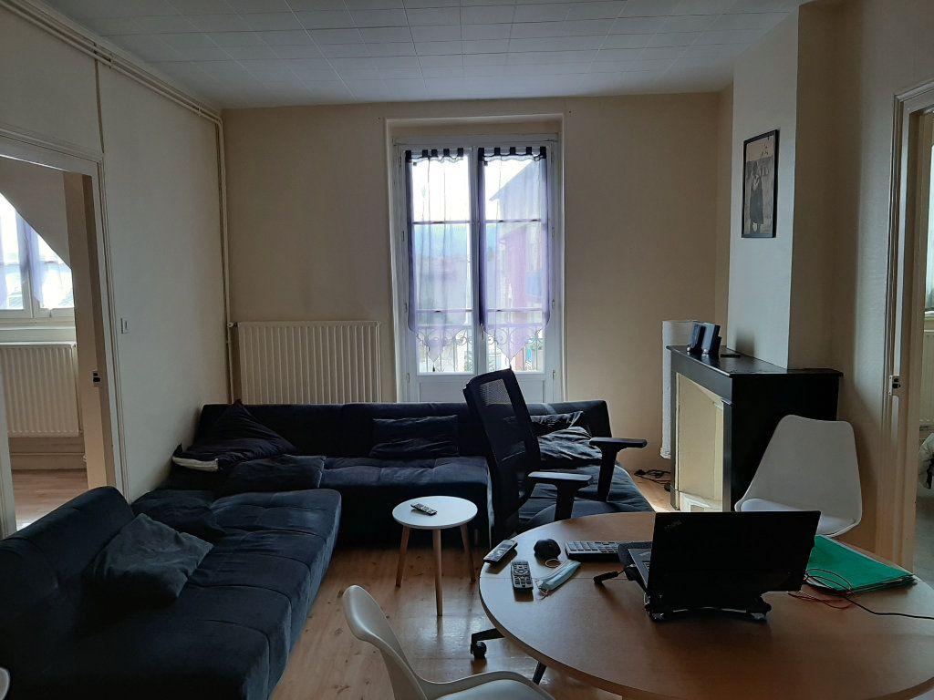 Appartement à louer 3 85m2 à Voiron vignette-2
