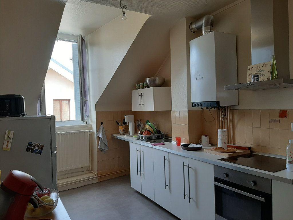 Appartement à louer 3 85m2 à Voiron vignette-3