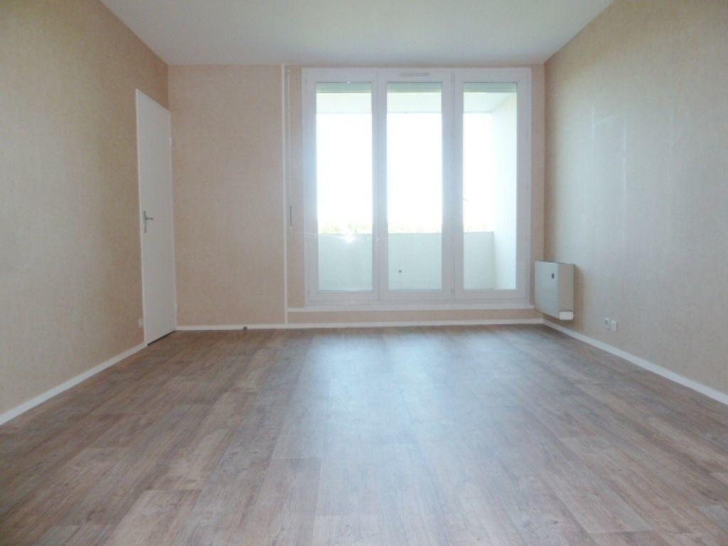 Appartement à louer 1 36m2 à Saran vignette-1