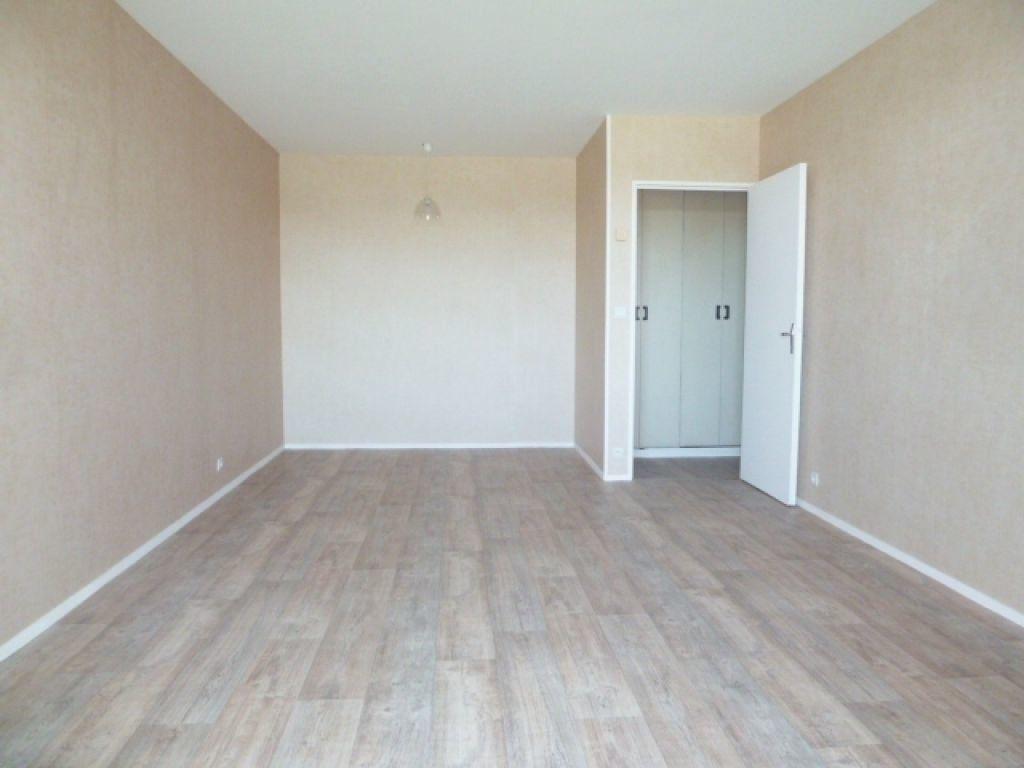Appartement à louer 1 36m2 à Saran vignette-3