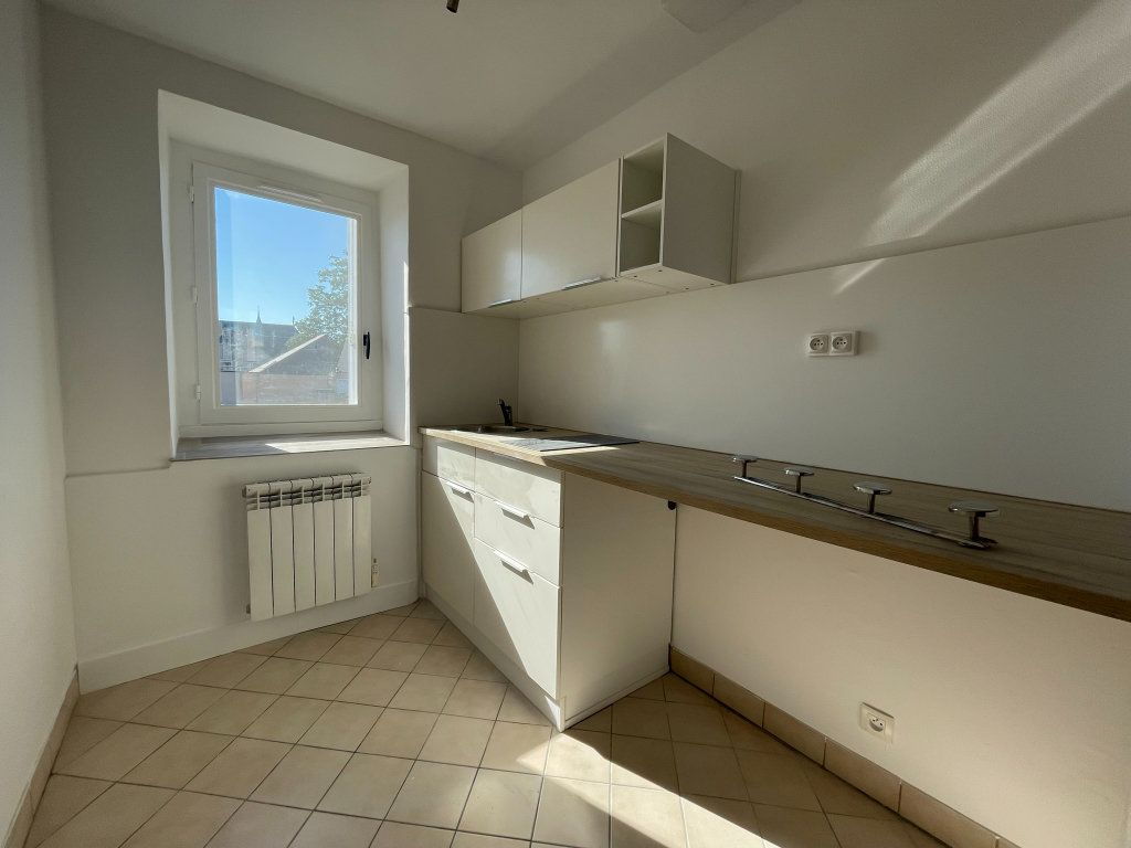 Appartement à louer 2 35m2 à Orléans vignette-2
