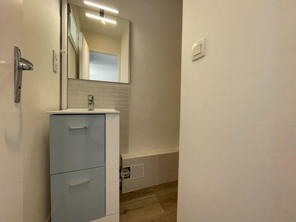 Appartement à louer 2 35m2 à Orléans vignette-9