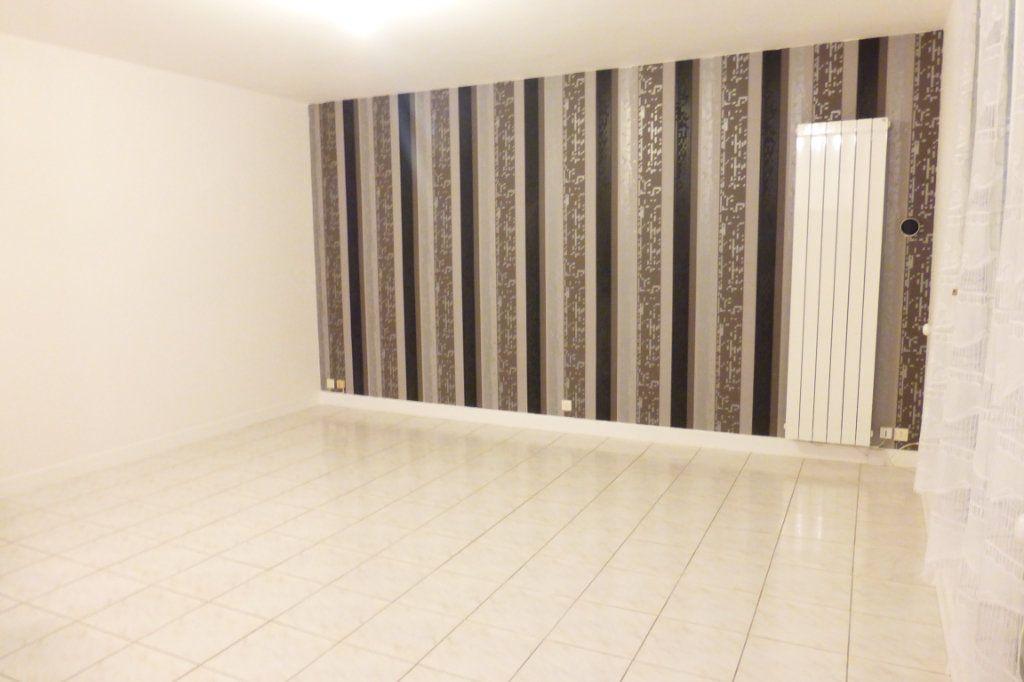 Appartement à louer 1 35m2 à Orléans vignette-1