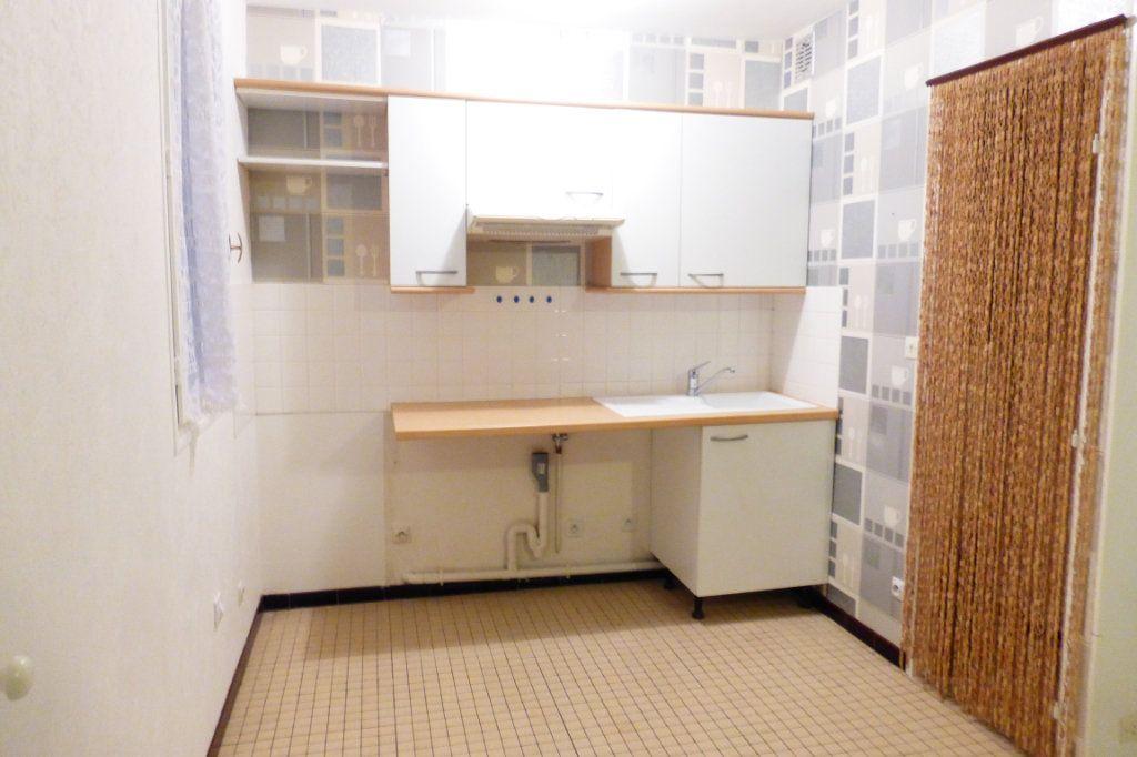 Appartement à louer 1 35m2 à Orléans vignette-2