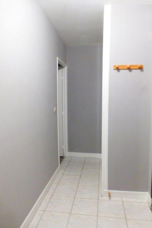 Appartement à louer 1 35m2 à Orléans vignette-4