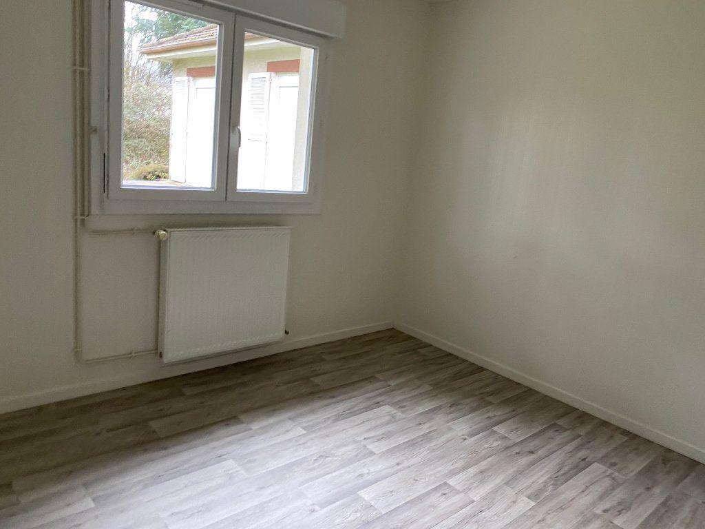 Maison à louer 6 152.41m2 à Saint-Pryvé-Saint-Mesmin vignette-3