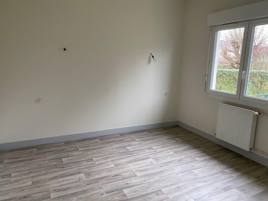 Maison à louer 6 152.41m2 à Saint-Pryvé-Saint-Mesmin vignette-4